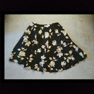 Floral mini skirt casual corner sz 6